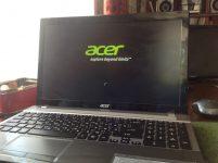 Не загорается экран ноутбука при включении Acer