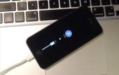 При включении айфона горит itunes и USB