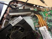 Как почистить вентилятор у ноутбука?